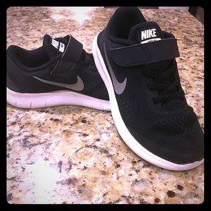 ✨ Nike Free RN 💫Sz. 1.5 Y ✨